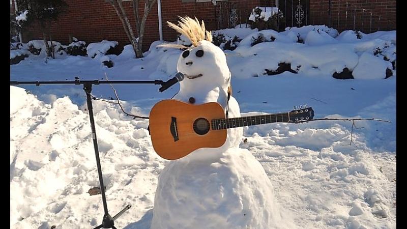 Открытка гитара на снегу