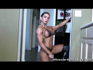 Накаченная девушка marina lopez показывает свои прелести (бодибилдинг, big tits, erotic)