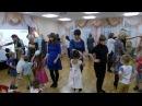 Танец с мамами в детском саду. Старшая группа.