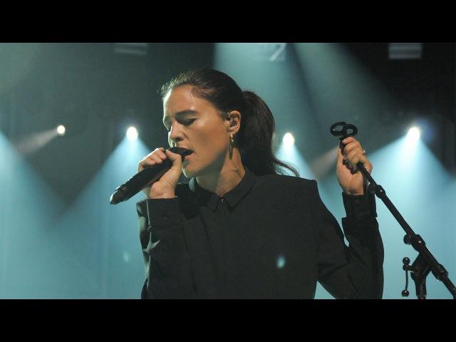 Jessie Ware - Running (Live)