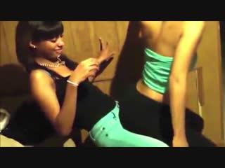 Лесби лап дэнс / lesbian hot lap dancing