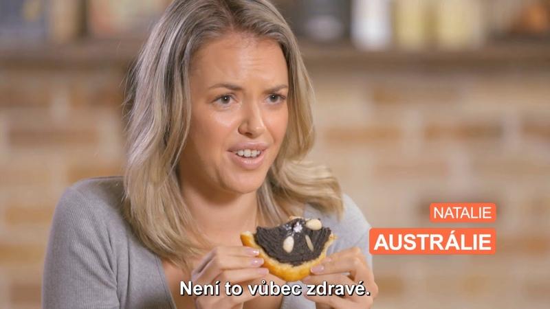 Cizinci ochutnávají makový koláč/jak nás vidí svět