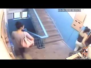 Муж наказал жену за измену