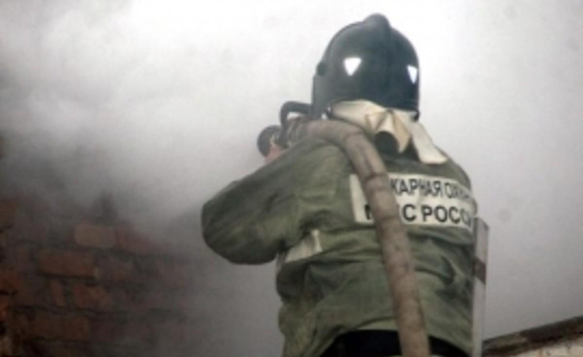 В КЧР загорелось здание на территории Урупского района