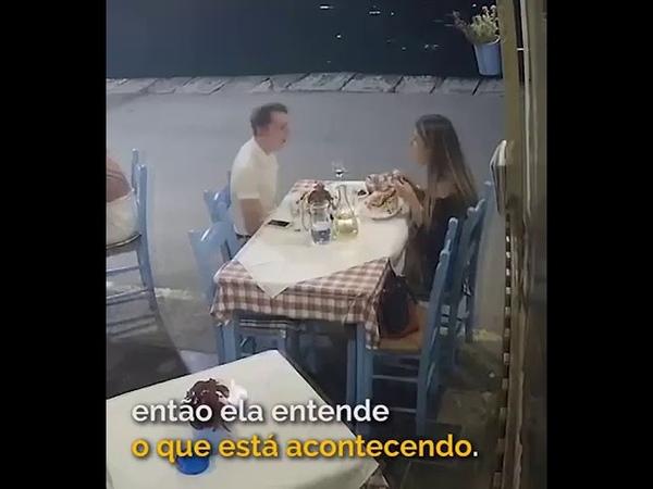 Homem Engasgado É Salvo Pelo Gerente Do Restaurante