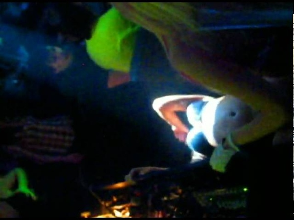 Dj Элл Birthday DjChristy Set to club Manilov 30 01 2010
