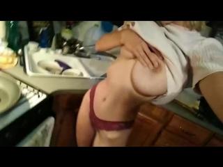 Горячая блондинка на кухни селфивидео [hopelesssofrantic, reddit nude no porn easy erotica homevideo эротика селфи]