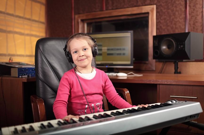 Синтезатор является примером развивающей практики