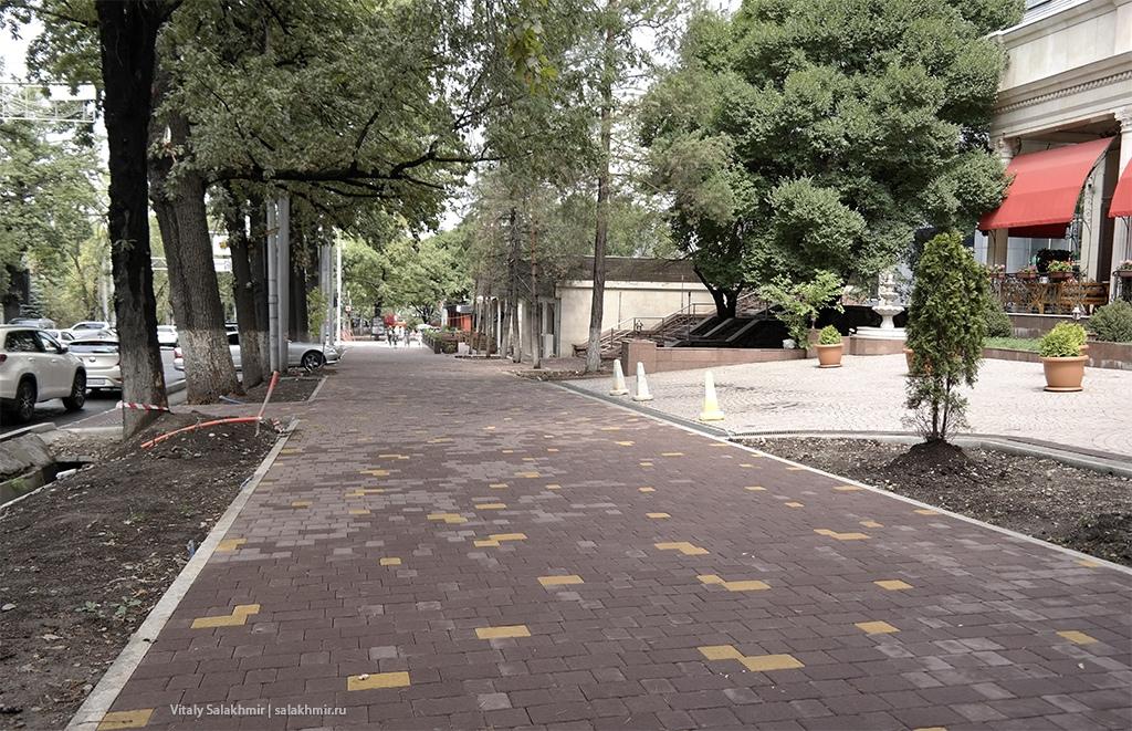Тротуар на Курмангазы, проспект Достык 2019