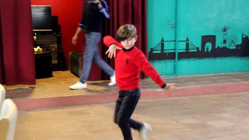 Мальчик Классно танцует Лезгинку 2019 Sakir Balaken Lezginka