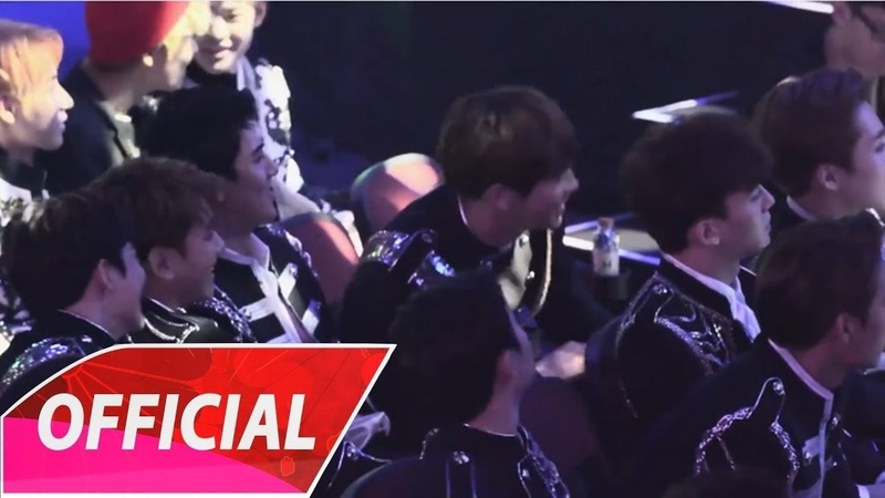 EXO's reaction (엑소) Singto Krist - A Little Happiness (小幸運)_Live at V Chart Awards in Macau
