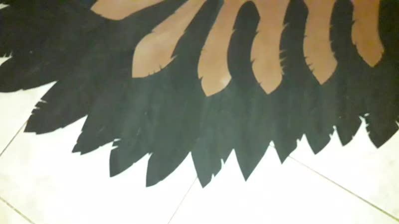 Темные крылья Пегаса для гнедой лошадки