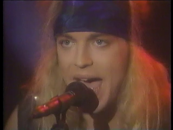 Poison - Every Rose Has Its Thorn acoustic on Arsenio, December 1990