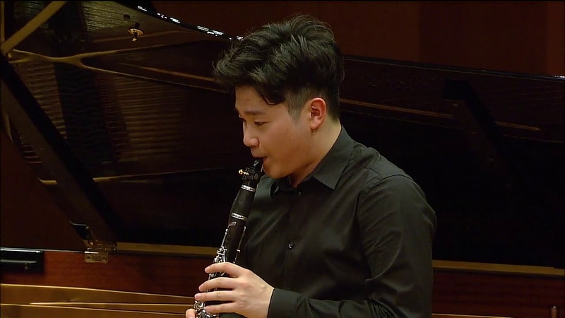 Han Kim plays George Gershwin's Rhapsody in Blue for clarinet and piano