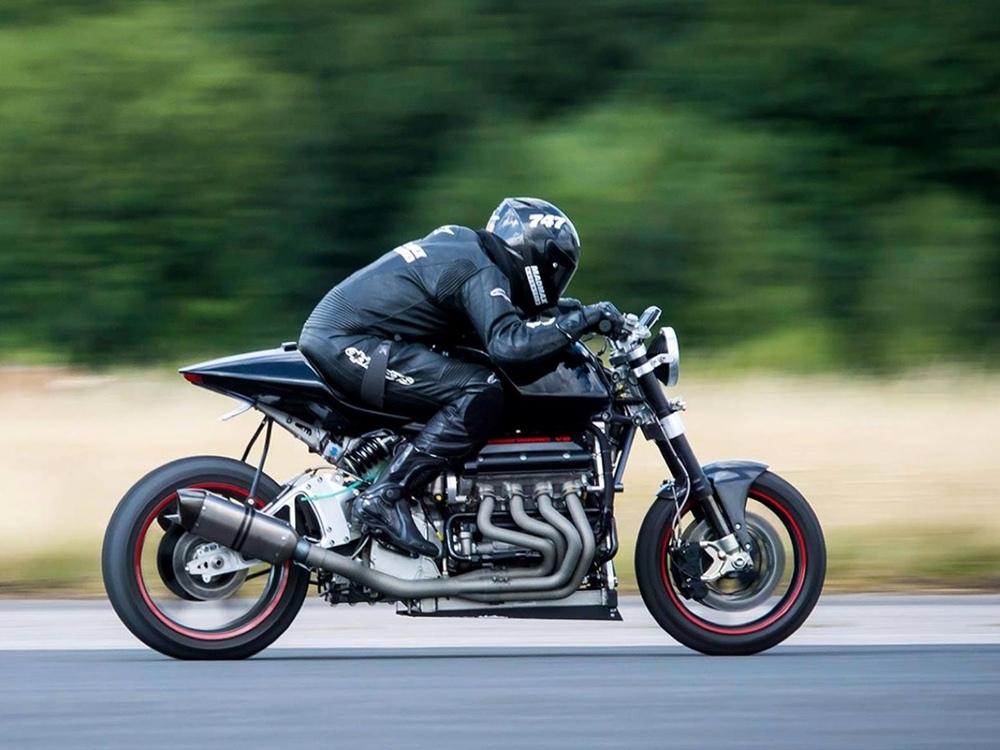 Eisenberg V8: 480-сильный мотоцикл с двумя моторами Hayabusa