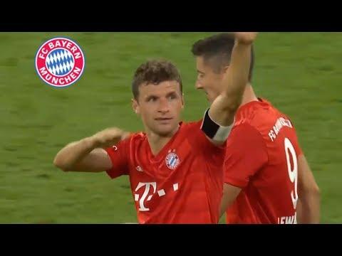 Томас Мюллер забил три гола в матче Бавария - Фенербахче