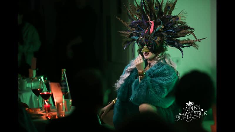 Ladies of Burlesque - шоу в стиле классического бурлеска