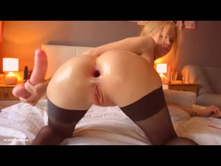 Perfect blonde anal slut fucks her ass open til it gapes wide