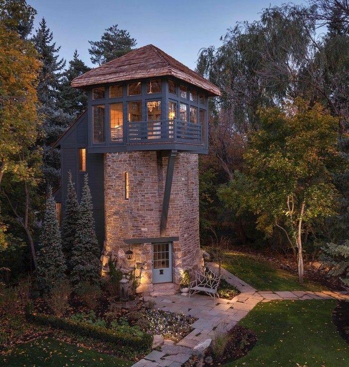 Дом в башне