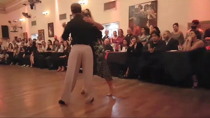 Exhibición de Alejandra Martinian Martín Ojeda tango Milonga Solidaria