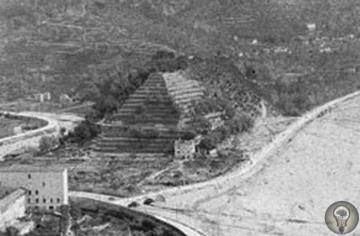 Пирамида Сент-Андре (Франция) Пирамида высотой более 50 метров и шириной у основания 200 метров была расположена на северо-востоке от Ниццы.Её возведение датировалось 4000 г. до н.э и она была