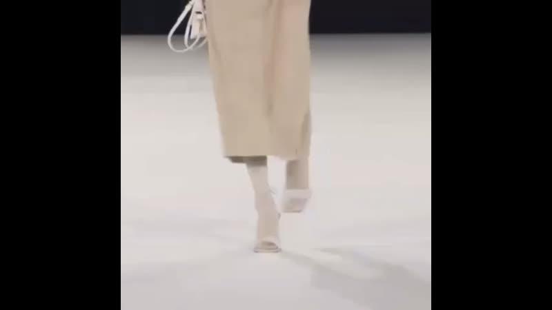 Bella Hadid walking for Jacquemus Menswear FW20
