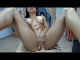 Muscular german girl masturbating on cam(porn,порно)