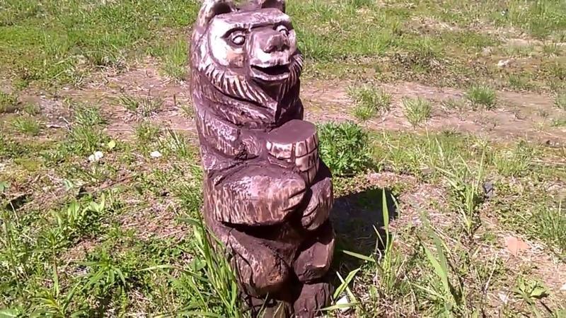 Медведь из дерева бензопилой