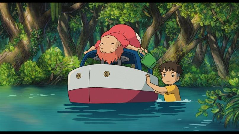 «Рыбка Поньо на утесе» сначала планировался как мультфильм по мотивам «Русалочки», но постепенно сюжет слегка изменился (вернее, совсем)