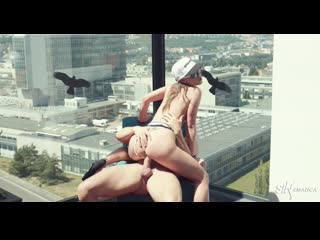 Vinna Reed - ROOF TOP ACTION