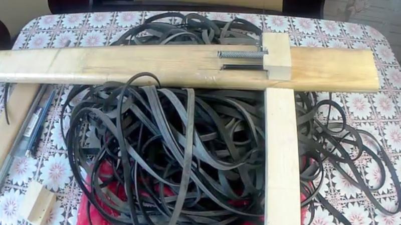 Ещё один, простой станок для нарезки резины на посадку рыбацких сетей из автомобильных камер