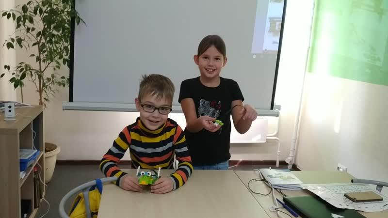 Творческий проект Миши и Николь на LEGO WeDo 2 0 Дедушка Дино и Милотаха