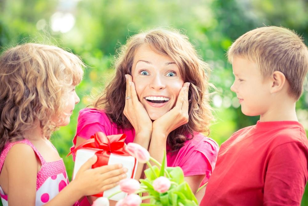 красивая картинка для праздника мам относится пограничным