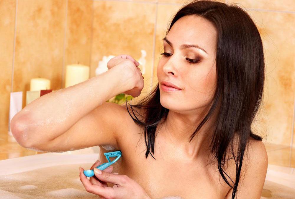 Форма подмышки может помешать комфортному бритью подмышек.
