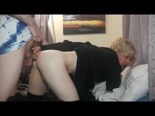 Самая секасная сисси подставляет попу своему мальчику (sissy fem