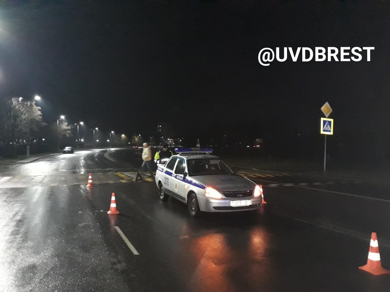 В Барановичах служебный автомобиль милиции совершил наезд на пешехода