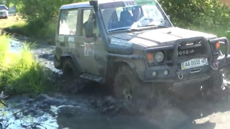 На место засевшего урала 4х4 оффроад в болото грязь на мостах газ66 и арочные шины я170