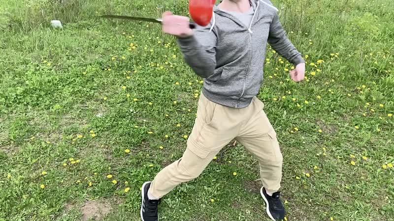 Танто и помидор Барк