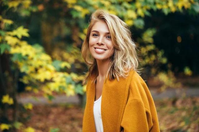 Выпадают волосы осенью и зимой: причины, как остановить выпадение