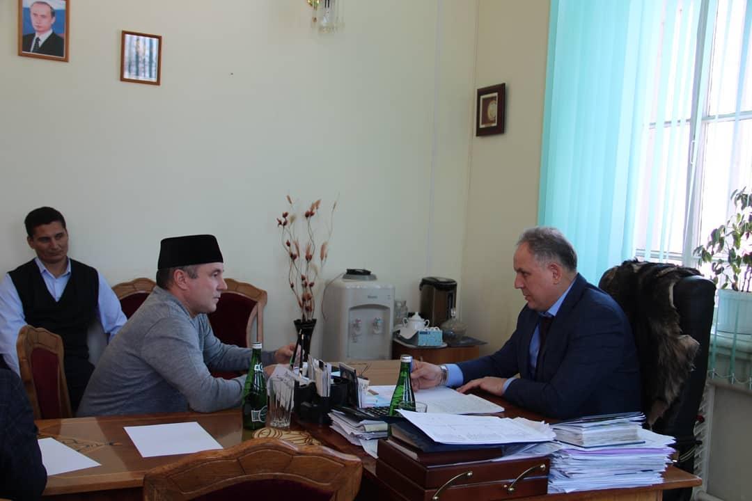 В Петровске личный приём провёл заместитель председателя областного правительства Василий РАЗДЕЛКИН