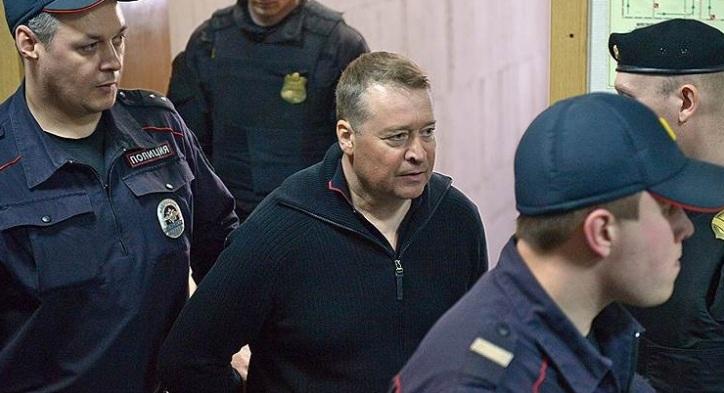 Экс-главу Марий Эл за пререкания вывели из зала суда