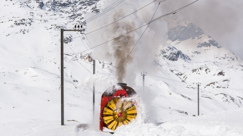 Xrot d 9213 RhB Dampfschneeschleuder Schnee und Eis am Bernina