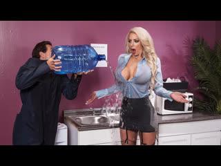 Nicolette Shea - Water Cooler Cock [Brazzers] Big Ass, Big Tits, BlowJob, Feet, Tattoo