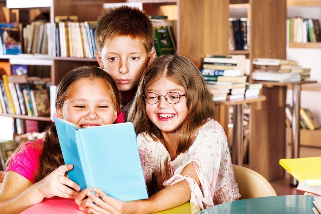 картинки с детьми читающими книги погибшего станислава