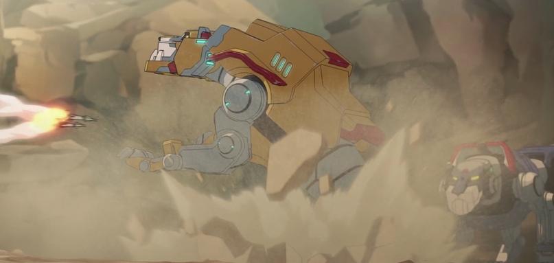 Первое появление Жёлтого знаменуется тем, что он живым щитом встаёт между Синим и вражеским залпом