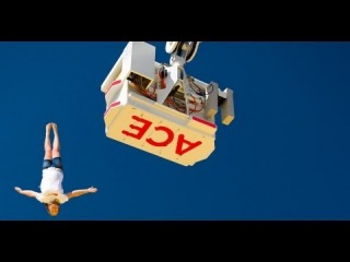 Extreme bagjump freedrop stunts tricks diving onto a air bag from 30m high