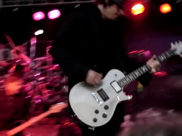 Three Days Grace - Its All Over (Live) @ Western Fair, London, ON, Canada 12092007