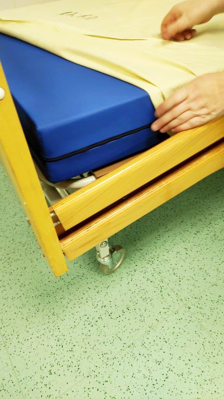 Інститут нейрохірургії забезпечено матрацами до ліжок