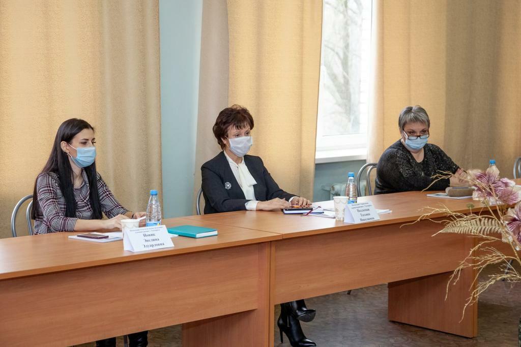 В городе Таганроге состоялся «круглый стол» на тему вакцинации против COVID-19