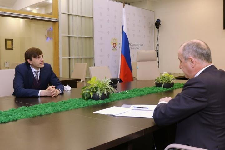 Темрезов рассказал о развитии образования в КЧР